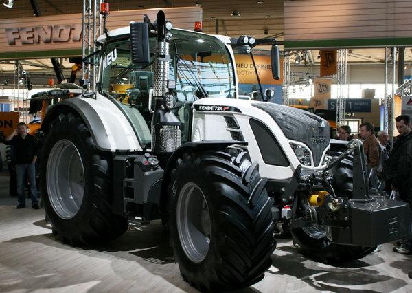 трактор Fendt 724