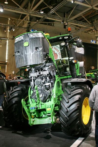 лучший трактор 2012 года. John Deere