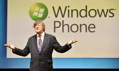 Стивен Фрай на лондонской презентации Windows Phone 7