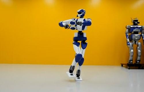 Робот-грузчик AIST HRP-4