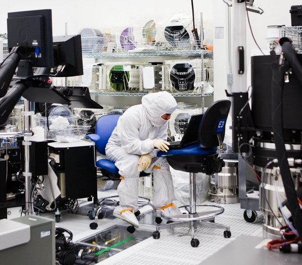 производство процессоров: репортаж из «чистой комнаты»