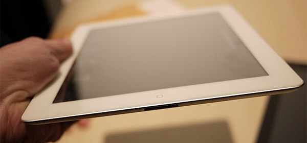 планшет Apple iPad 2 живые фото