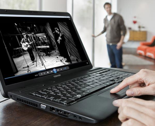 Toshiba Satellite C670 – бюджетный ноутбук с 17-дюймовым дисплеем
